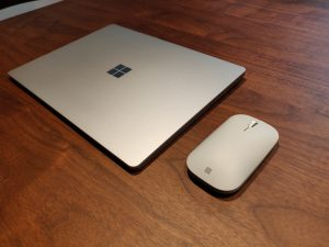 Laptop3とSurfaceモバイルマウス