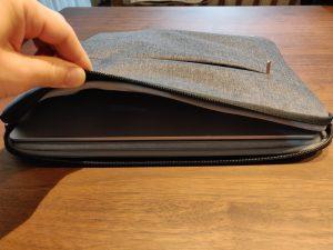 KogzzenケースとLaptop3のサイズ感